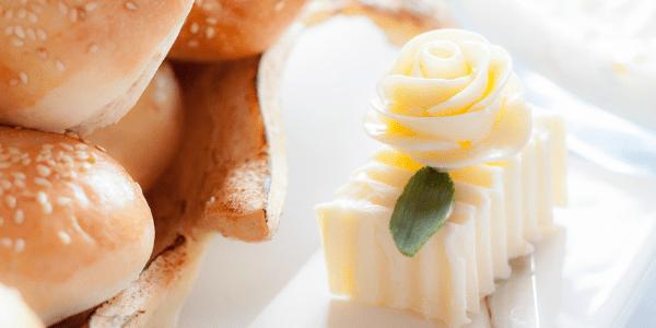 Поднос с хляб и масло - как да боравиш с него в ресторанта